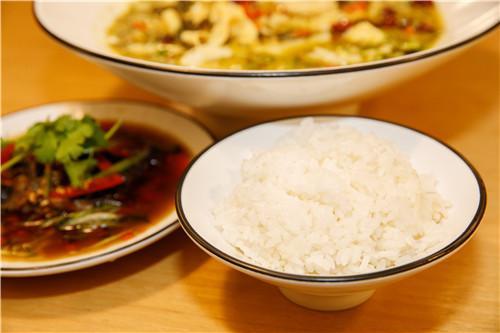 几个步骤搞定一锅,开胃提神、简单快捷的酸菜鱼