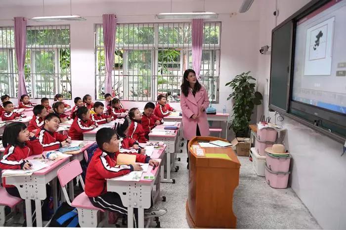老师涨钱了!这些地区每月至少涨薪1000元!有你所在的省份吗?