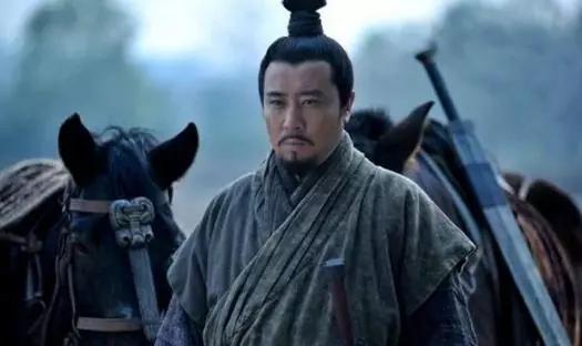 刘备临终前为何选择两位托孤大臣,是不信任诸葛亮吗?