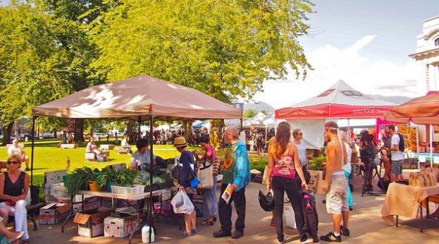 逛吃逛吃:温哥华夏天必去的农贸市场,鲜花和蔬果都在这里了!图片