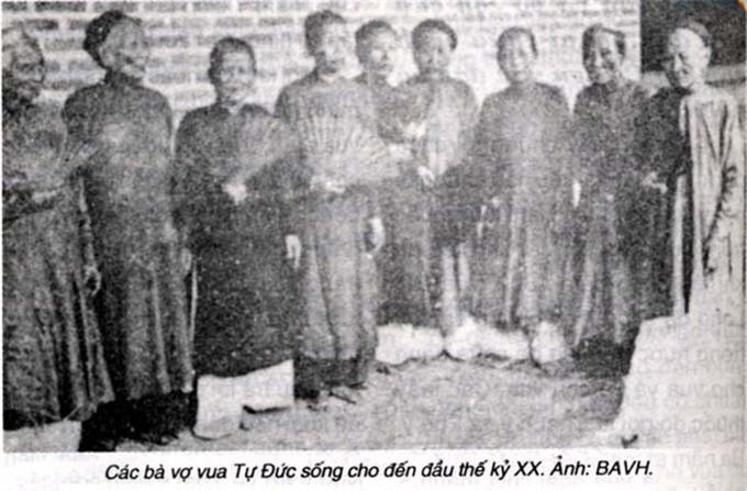 历史-越南阮朝王室相册,维新国王是个孩子,阮朝大臣是个华人(1)