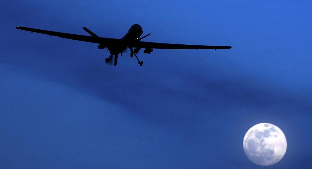 <b>伊朗总统:美国无人机若再越过伊边境 必将击落</b>