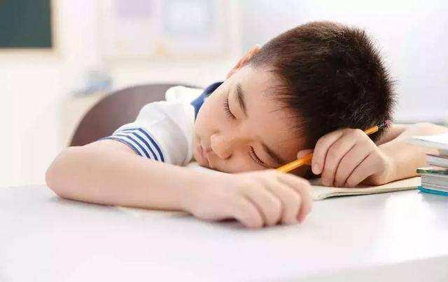育儿-三伏天驾到,孩子晚上这个时间睡觉,未来智力身高超同龄娃一大截(3)