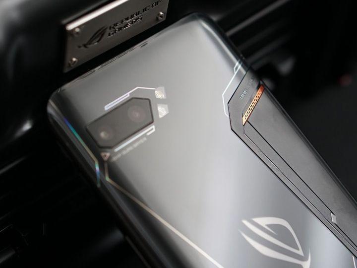 游戏综合资讯-免费yoqqROG游戏手机2图赏:硬核设计 信仰灯加持yoqq资源(11)