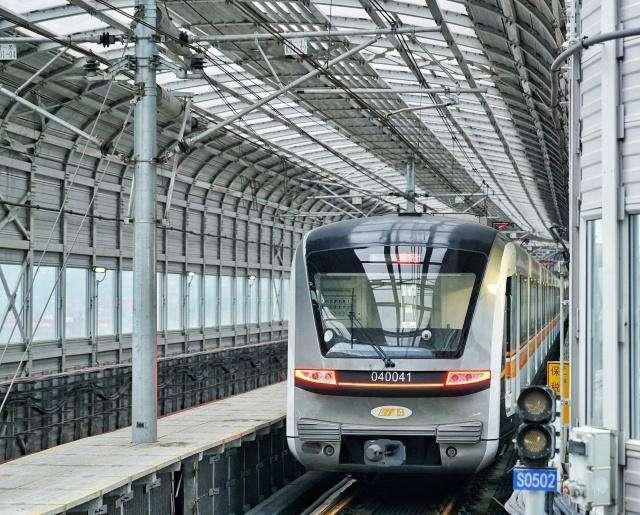 璧山至重庆东站将新建一条地铁,全长约52公里,2020年开建
