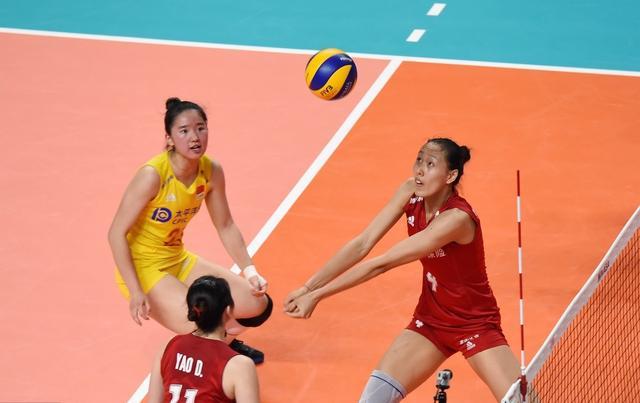 中国女排,她顶着MVP头衔出道,如今却成累赘,天才少女神话破灭