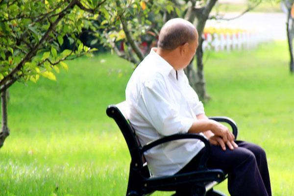 育儿-长寿的男人,身上有哪些共同点?难怪他们会长命百岁,理由很充分(1)