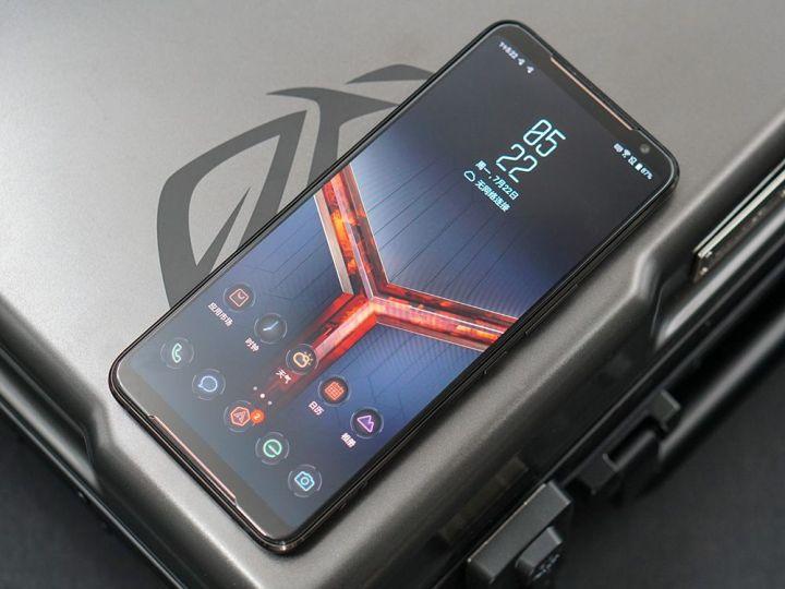 游戏综合资讯-免费yoqqROG游戏手机2图赏:硬核设计 信仰灯加持yoqq资源(8)