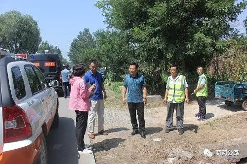 <b>商河县开展公路维护保洁,营造净舒美通的出行环境</b>