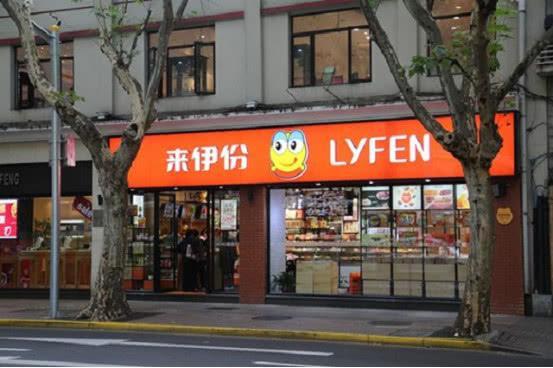 中国零食之王诞生:一天进账1000万,力压三只松鼠、良品铺子