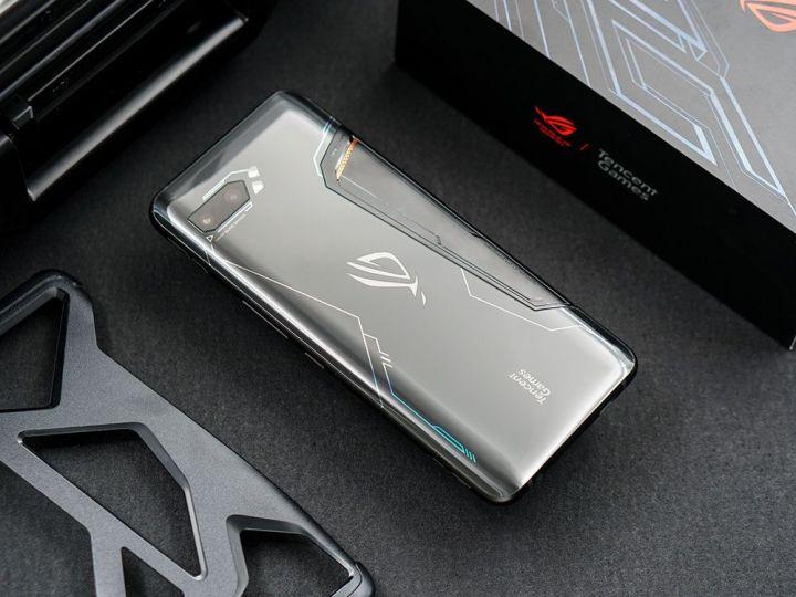 游戏综合资讯-免费yoqqROG游戏手机2图赏:硬核设计 信仰灯加持yoqq资源(3)