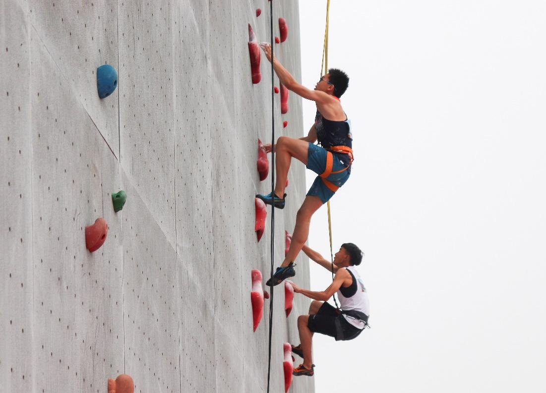 全国青年攀岩锦标赛落幕 16省市参赛角逐24冠军