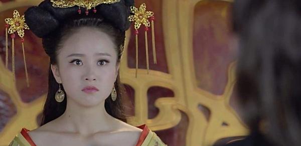 她是历史上唯一当了6次皇后的女人,被史学家唾弃千年,真是可悲