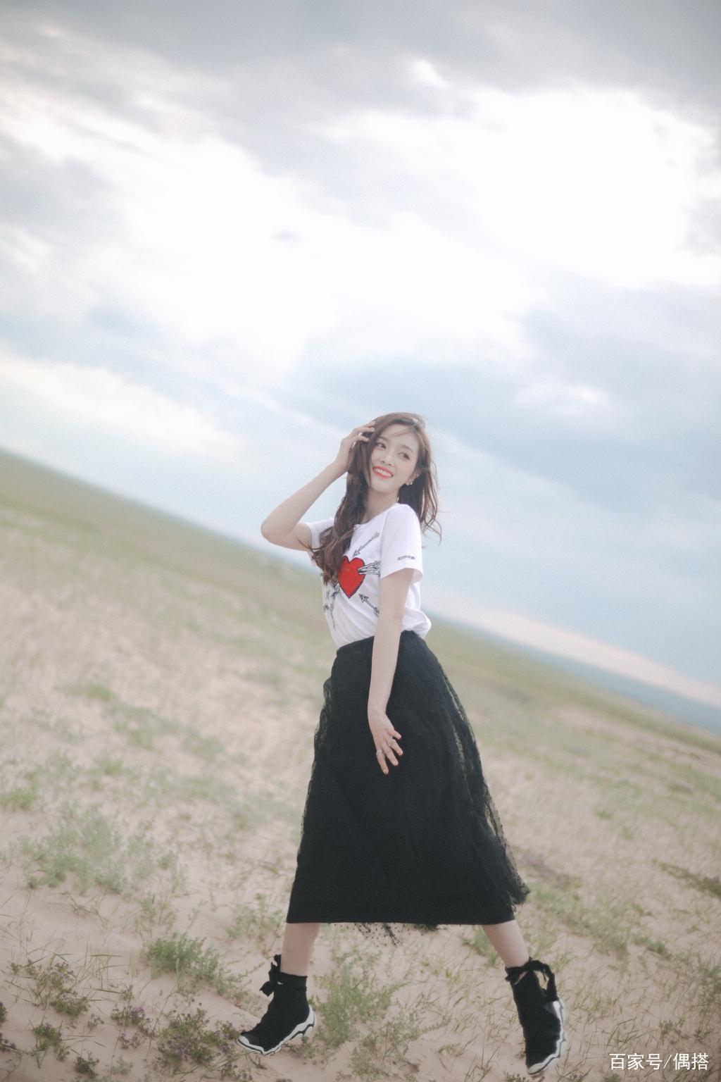 火箭少女吴宣仪厉害了!蕾丝边吊带裙走机场,清凉又撩人,被圈粉
