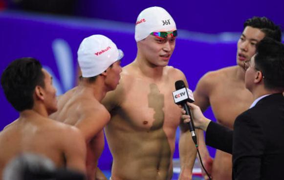 中国提前丢一金 徐嘉余200米仰泳退赛,备战接力联手孙杨冲金图片 30927 581x370