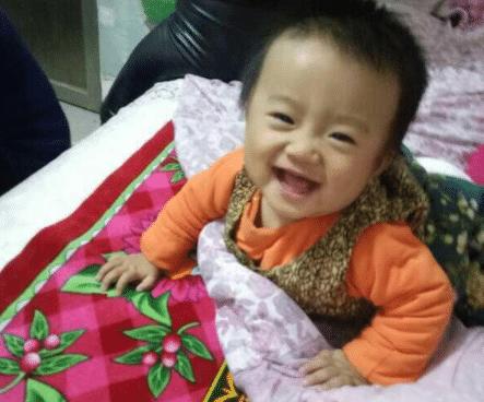 5个月宝宝双肾长满结石,医生:辅食添加过早,老人带娃别乱喂!
