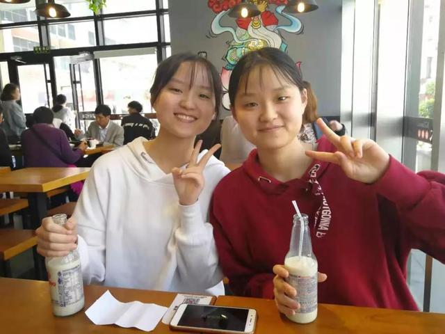 牛!双胞胎姐妹同时考入川大医学八年制本硕博连读