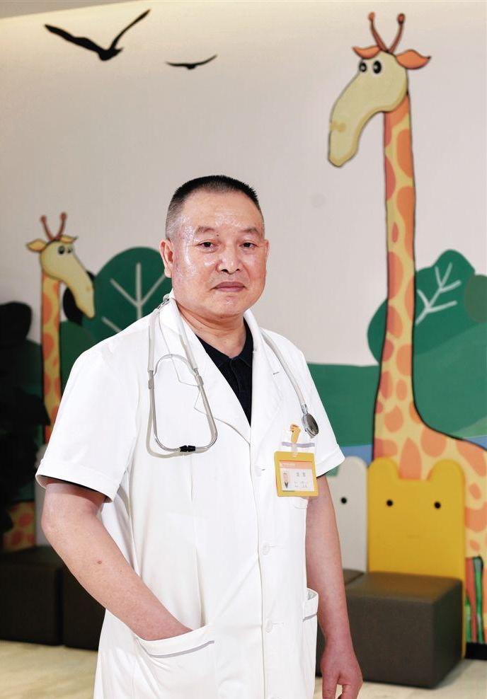 【中国梦·践行者】从医四十年他努力让患者满意 最难忘的经历是遗憾