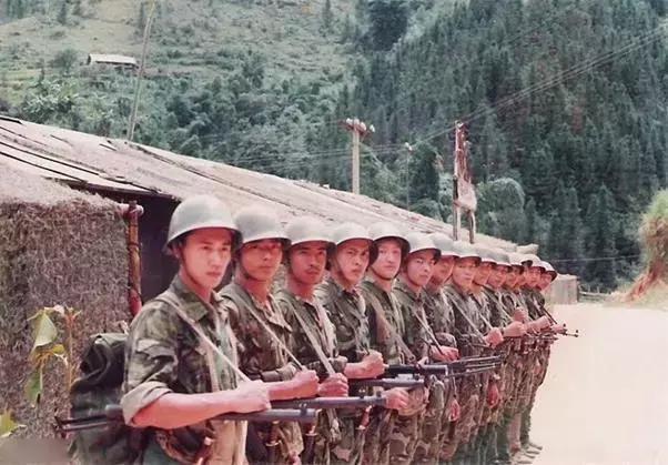历史-免费yoqq对越反击战中,解放军打开越军监狱后为什么气的发抖?看见什么了yoqq资源(1)