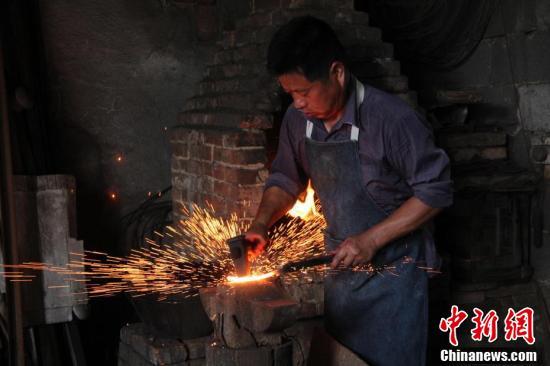 探访流传千年的安徽泾县后山制剪技艺