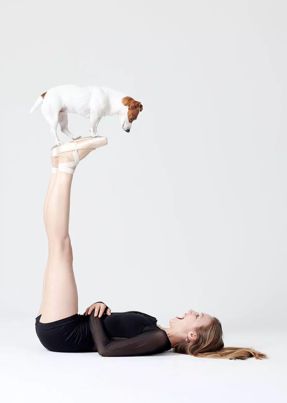 宠物-与狗狗共舞的芭蕾舞者(13)