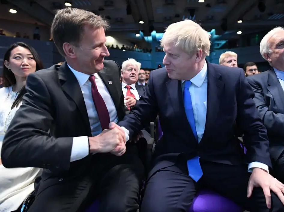 英国外交大臣亨特离职:做普通议员和一名好爸爸
