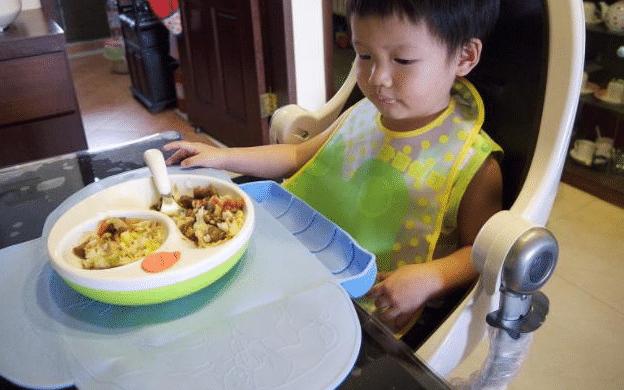 2种水果煮水喝,分分钟养护脾胃!孩子睡觉不蹬被,个头还猛长