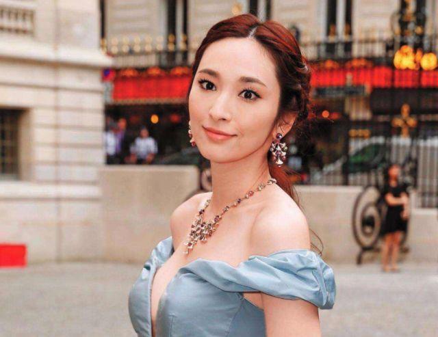 吴佩慈嫁豪门拼四胎,郭碧婷未入豪门就被向太袒护,到底差在哪里