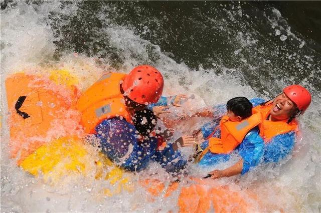 夏天怎能少了玩水!7月28日九仙山漂流一起刺激湿身