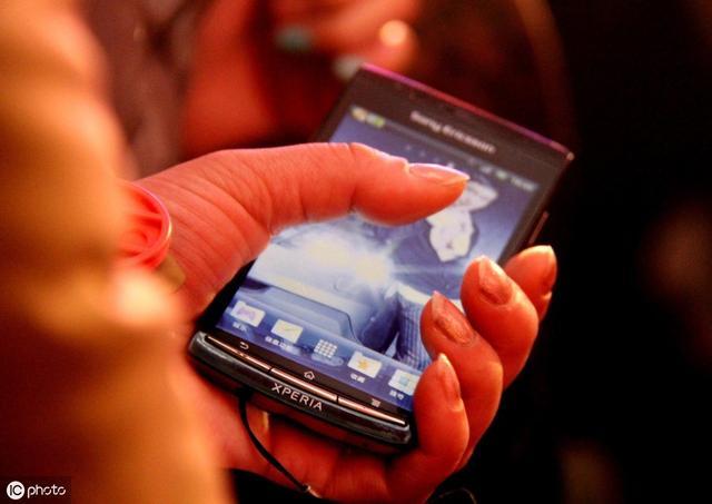 "<b>手机市场进入""寒冬"",众多厂商紧皱眉头,5G能融化""寒冬""吗?</b>"