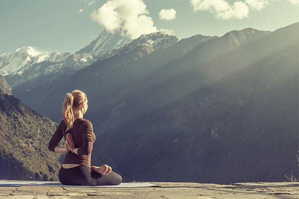 我们都在练瑜伽,但是瑜伽对健康有什么益处呢?