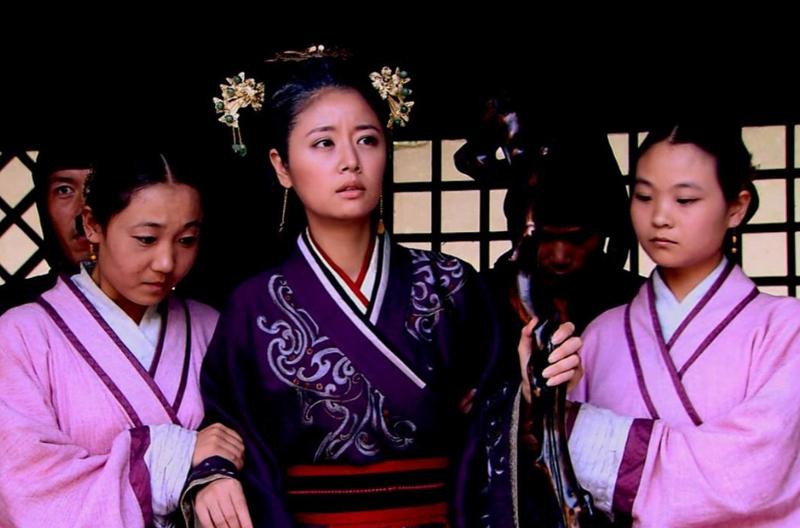 古代嫔妃们的生活起居是如何安排处理的?跟在电视上看到的不一样