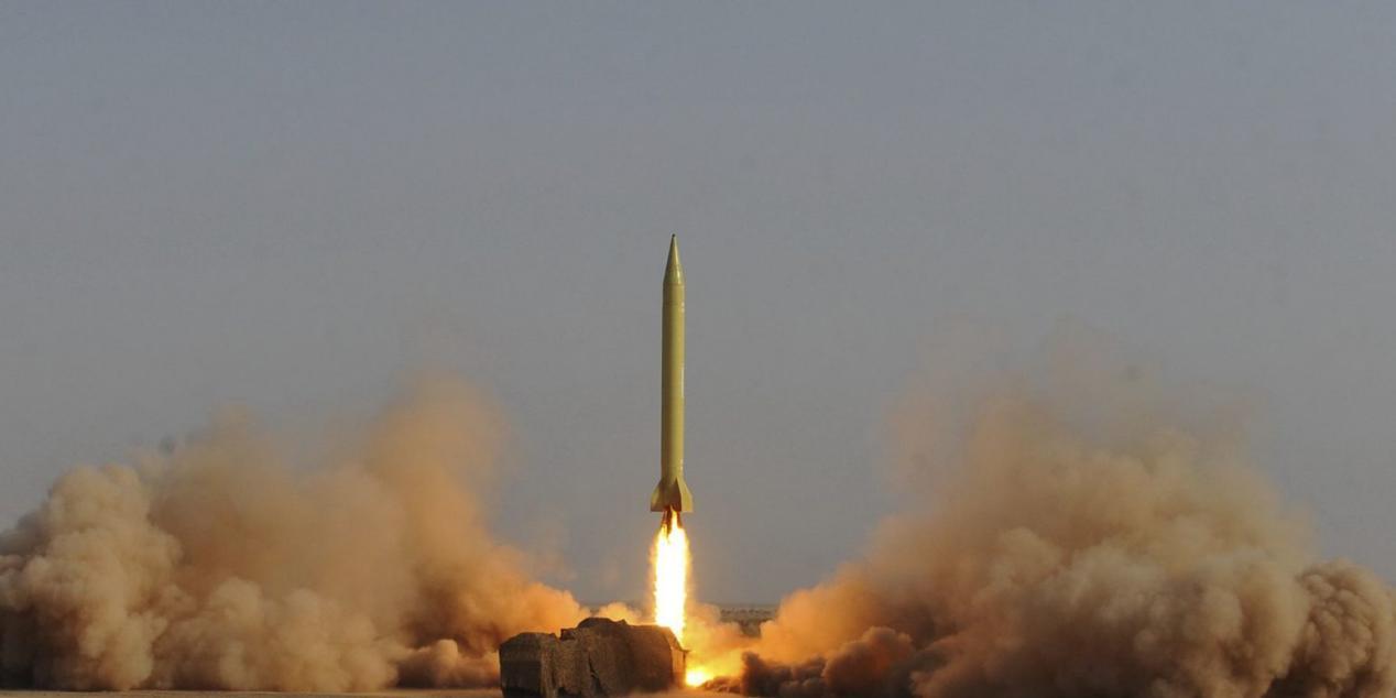 不惧刺刀见红,伊朗看家武器腾空而起,就知道美军最怕这个!