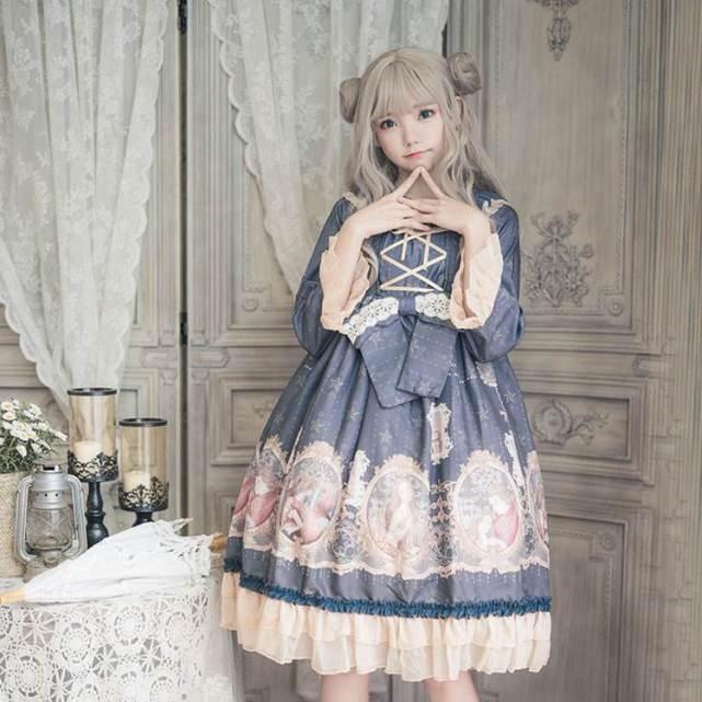 洛丽塔正版服装_女孩穿洛丽塔裙子被当街拦住辱骂!原因是穿了盗版! _lo