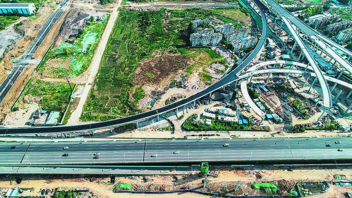 <b>合肥郎溪路与裕溪路交口互通立交下月放行两条匝道</b>