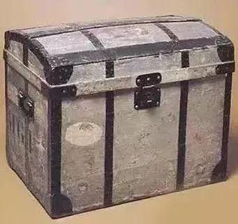 早期LV灰色的硬箱