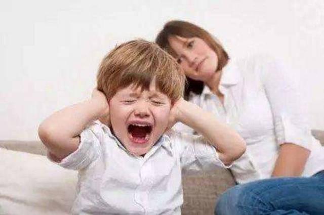 如果孩子有四种表现,证明被宠坏了,家长要赶紧纠正