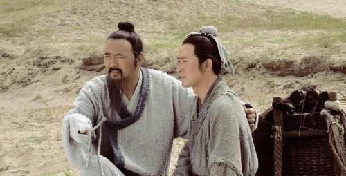 中国最尊贵的姓氏,就连皇帝也要跪下磕头,如今人口近亿