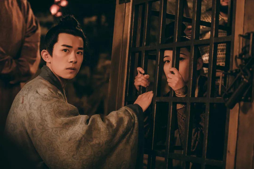 """李必失恋,千玺被评为""""最惨男二号"""",爱而不得"""