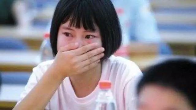 港龙会声明强烈谴责反修例激进分子暴力冲击破坏立法会