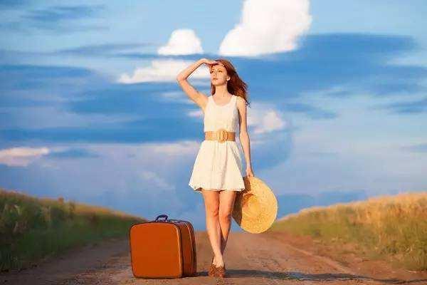 出门还大包小包?建议长途旅游,多学学收纳技巧!行李箱能装更多