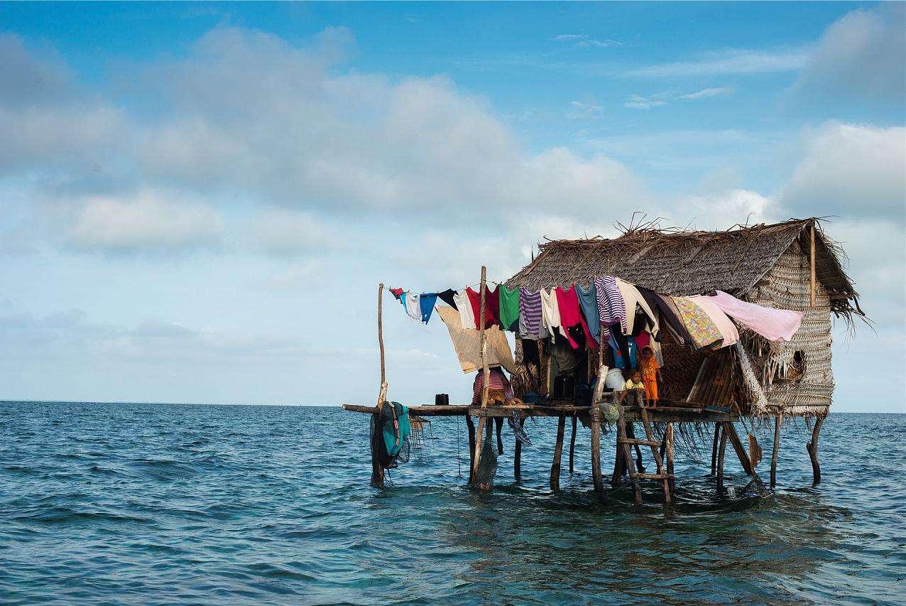 世界上没有国籍的人群,一辈子都生活在海上