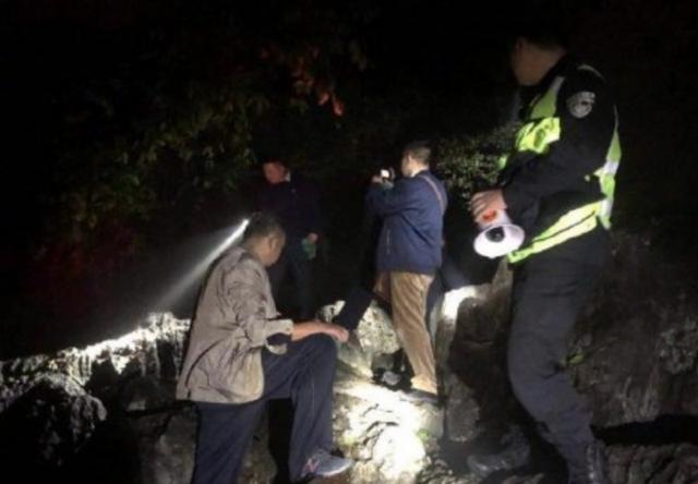游客捡走手机疑耽误救援 遇害浙大女孩家属:将起诉
