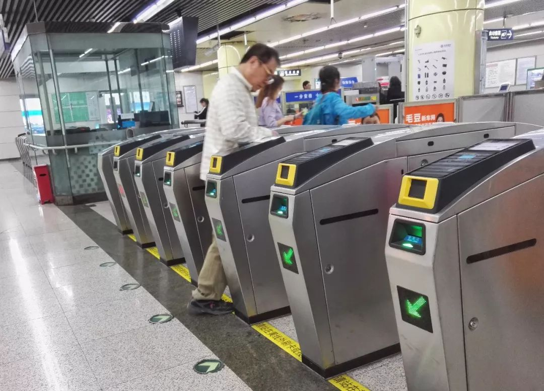"""北京地铁""""刷脸进站""""不是梦,还有更多你不敢想的高科技"""