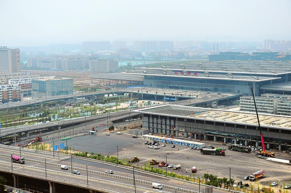 占地面积15.8万平方米太原南站东广场正式启用