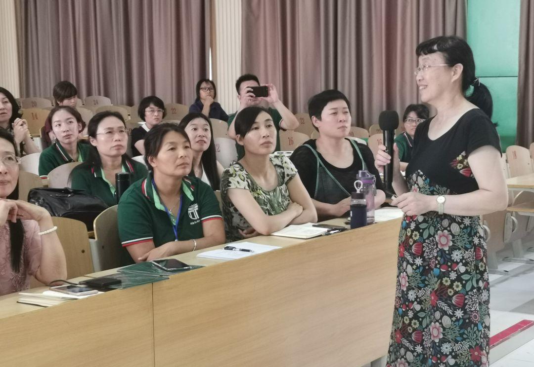 安阳市第五中学教师李克杰:陶醉于齐唱班歌时的那种做回学生的味道图片