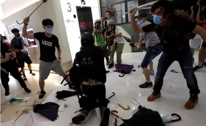"""认清楚!这是香港反对派""""三步走""""的乱港阴谋"""