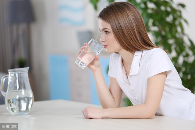 烧开的自来水和桶装水到底哪个更健康?答案也许让你感到意外