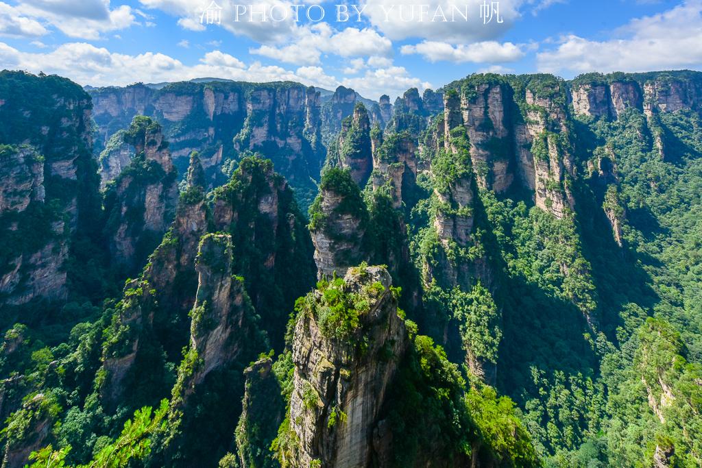 暑期旅游超十亿人次,张家界成为大黑马,挤掉三亚西安排全国第三