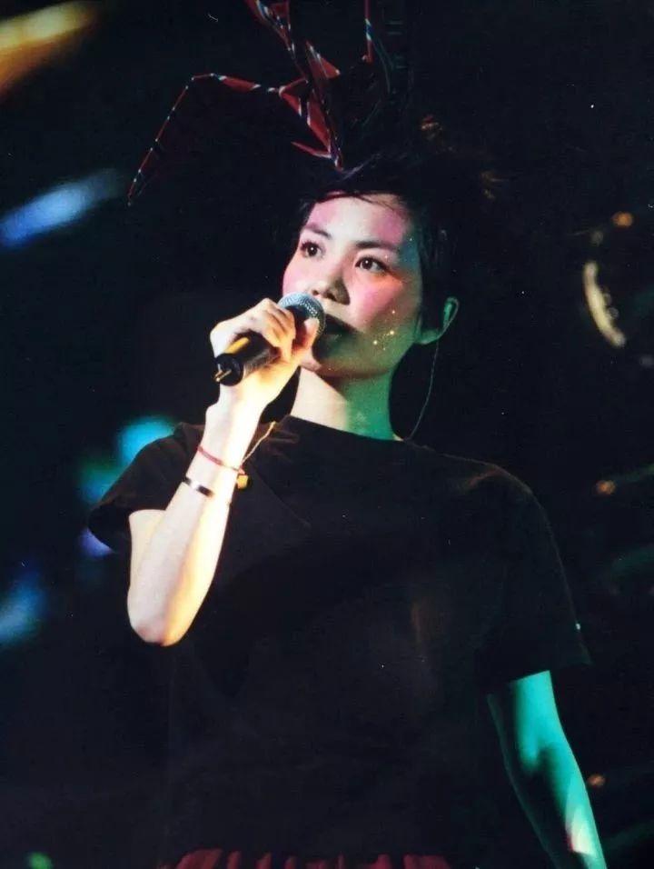 王菲要出新专辑?为何对她的粉丝滤镜那么厚